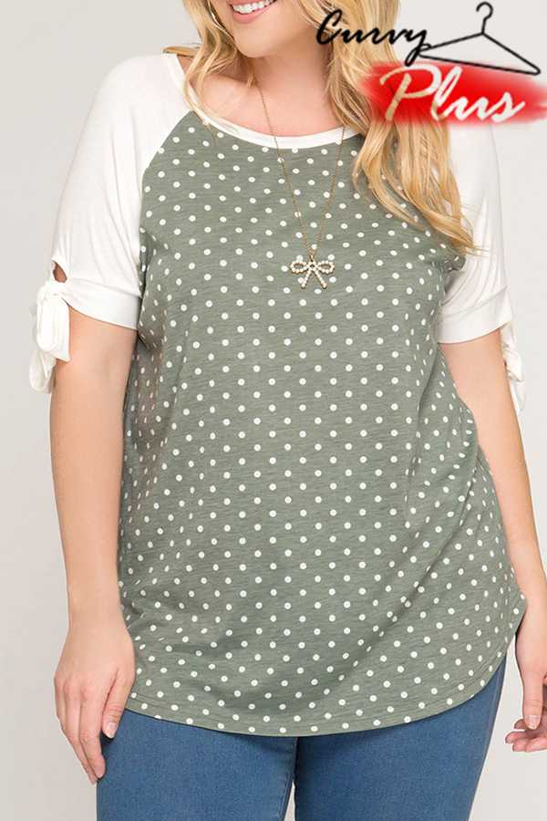 POLKA DOTTED RAGLAN TOP