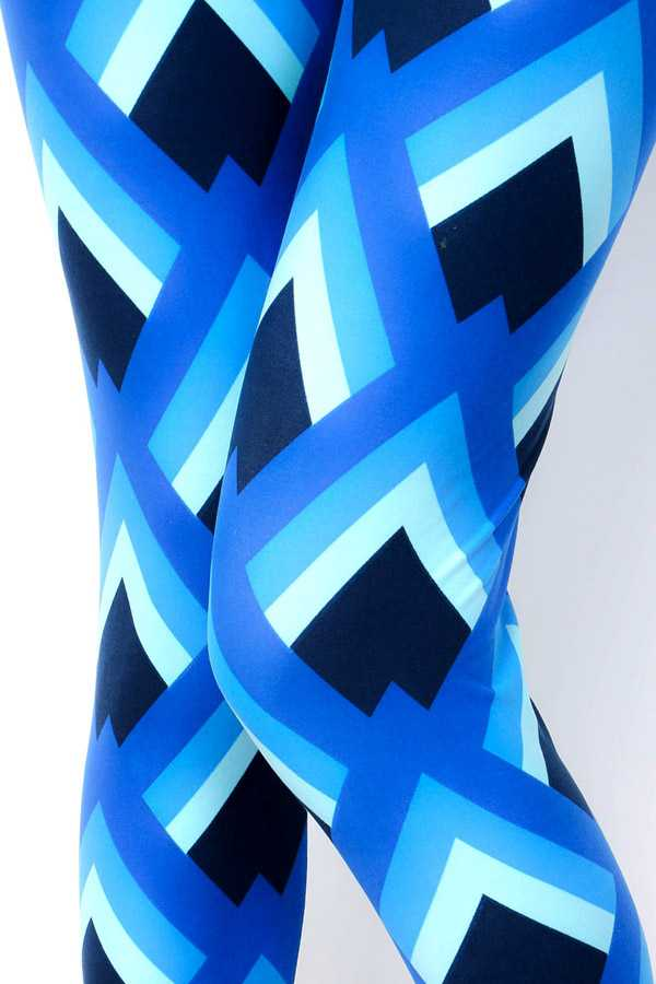 MULTI-COLORED GEO PATTERN PRINT LEGGINGS