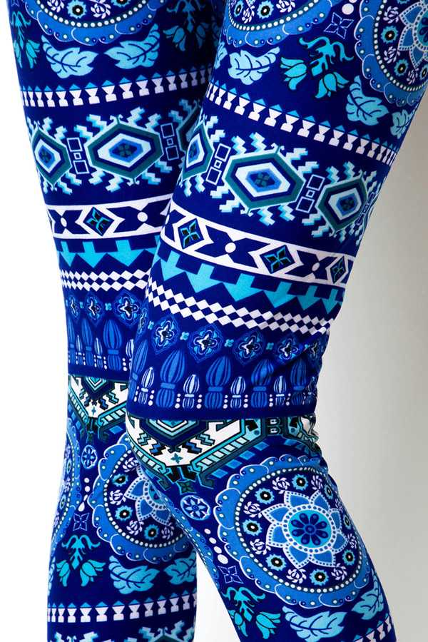 MEDALLION PRINT LEGGINGS