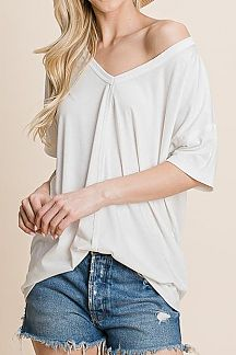 SOLID SHORT SLEEVE OVERLOOK STITCH DETAIL TOP