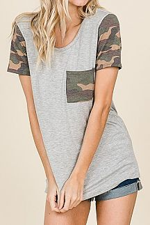 CAMO PRINT SHORT SLEEVE SOLID KNIT TOP