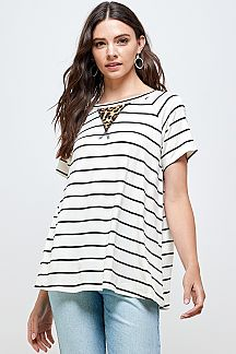 LEOPARD PRINT ACCENT STRIPED KNIT TOP
