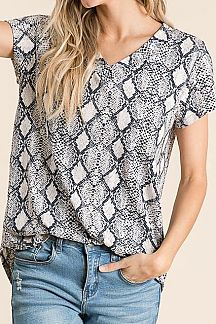 SNAKESKIN PRINT SHORT SLEEVE KNIT TOP