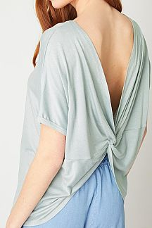 SOLID BACK TWISTED SHORT SLEEVE KNIT TOP