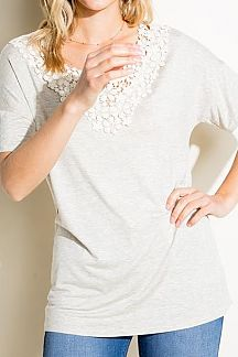SOLID FLORAL CROCHET PATCH DETAIL BOXY TOP