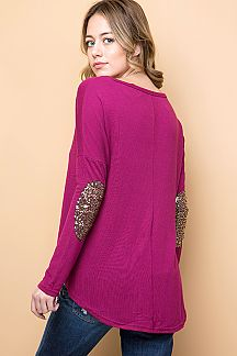 SOLID SEQUINED ELBOW PATCH DETAIL HI-LO TOP