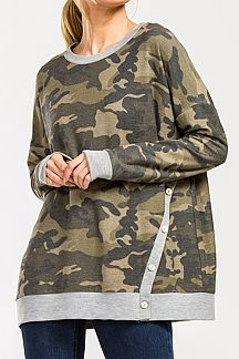 CAMO PRINT LOOSE FIT BANDED BUTTON DETAIL TOP