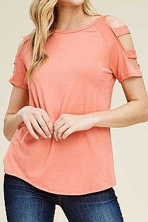 SOLID CUTOUT SHORT SLEEVE DETAIL KNIT TOP