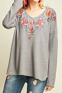 SOLID WAFFLE KNIT LONG SLEEVE V-NECK TOP
