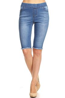 DENIM PRINT FRAYED HEM BERMUDA JEGGINGS