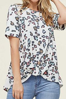MULTI COLOR ANIMAL PRINT SHORT SLEEVE KNIT TOP